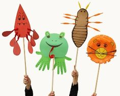 Ten Plagues Passover Craft: Fun Placards For The Seder!  Act out the Passover story at the table and get the children involved.