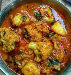 Aloo gobhi with curry dhaba style// aloo gobhi with spicy gravy. Gobi Recipes, Indian Veg Recipes, Aloo Recipes, Curry Recipes, Asian Recipes, Vegetarian Recipes, Cooking Recipes, Vegetarian Cooking, Vegan Recipes