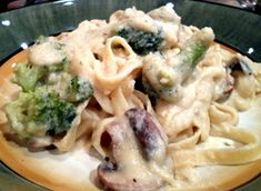 Vegan Fettuccini Alfredo with a secret ingredient!  This was awesome for dinner!