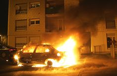 Islam in France: 1,200 Cars Burned, Police attacked over New Year's Eve