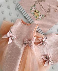 With # hands # (creativity, # sewing, # pattern) – kinder mode Little Dresses, Little Girl Dresses, Flower Girl Dresses, Cute Dresses, Toddler Dress, Baby Dress, Baby Girl Fashion, Kids Fashion, Fashion Wear