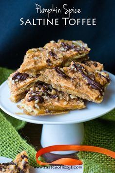 Pumpkin Spice Saltine Toffee {Tastes of Lizzy T} Toffee made simply with saltines! http://www.tastesoflizzyt.com/2013/10/24/pumpkin-spice-saltine-toffee/