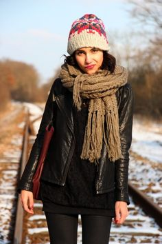 Big ole loopy scarf with tuff black layering.