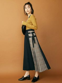 Stylish Outfit Ideas 2019 You Will Love outfit ideas styles Korea Fashion, New Fashion, Trendy Fashion, Womens Fashion, Skirt Fashion, Hijab Fashion, Fashion Dresses, Pretty Outfits, Stylish Outfits