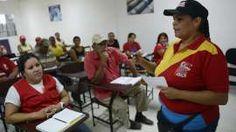 En 2006, cuando la revolución socialista del presidente Chávez entró en una fase más radical, los consejos empezaron a reportarle directamente a la presidencia.