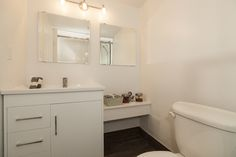 small bathroom, more mirrors