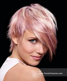 Friseur WELLA Kurze Blonde weiblich Gerade Farbige Multi-tonalen Rosa Weiß Choppy Frauen Haarschnitt Frisuren