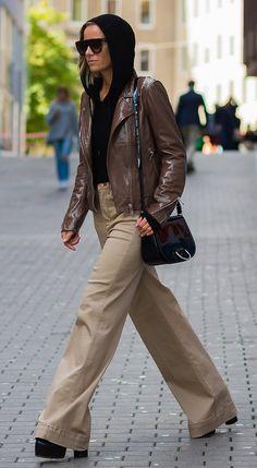 Cool Street Fashion, Street Style Women, Street Chic, Stockholm Fashion Week, Tan Leather Jackets, Star Fashion, Womens Fashion, Winter Fashion Outfits, Everyday Fashion