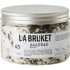 L:A Bruket Mint Bathsalt (135 BRL) ❤ liked on Polyvore featuring beauty products, bath & body products, body cleansers, fillers, beauty, makeup, cosmetics, stuff and lilla bruket