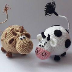 PDF Workshop on knitting the bull Gavryusha amigurumi # schemesamigurumi # amigurumi # knitted toys Crochet Cow, Crochet Animal Amigurumi, Knitted Animals, Cute Crochet, Crochet Dolls, Giraffe Crochet, Simple Crochet, Amigurumi Doll Pattern, Felt Toys