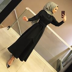 ✔ Office Look Hijab Casual ✔ Office Loo. ✔ Office Look Hijab Casual ✔ Office Look Hijab Casual Hijab Evening Dress, Hijab Dress Party, Muslim Fashion, Modest Fashion, Fashion Dresses, Casual Hijab Outfit, Hijab Chic, Ootd Hijab, Casual Shoes