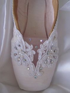 Sleeping Beauty theme decorated pointe shoe.....I think I still own at least 5 pairs of my most loved and worn pointe shoes