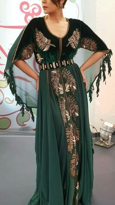 Morrocan Dress, Moroccan Caftan, Mexican Fashion, Oriental Fashion, Abaya Fashion, Fashion Outfits, Arabic Dress, Fantasy Gowns, Hippy Chic