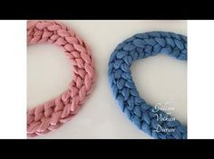 Easy necklace making from combed yarn (combed cotton rope handle) , Crochet Cord, Crochet Motif, Crochet Designs, Crochet Stitches, Crochet Patterns, Diy Jewelry Bags, Fabric Jewelry, Diy Macrame Necklace Tutorial, Crochet Necklace