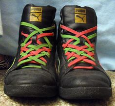 An entire website dedicated to shoelaces. Fun ways to lace them. Different ways to tie them. Even troubleshooting techniques. Tie Shoelaces, Tie Shoes, Diy Clothes, What To Wear, Random Stuff, Footwear, Tutorials, Craft Ideas, Website