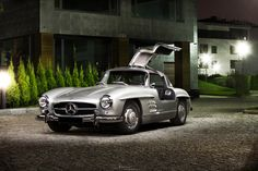 Photograph SL Gullwing .SL300 . Mercedes . by Chensan  by  Chensan on 500px