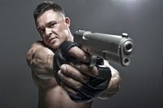 Double hand gun man picture material (ID: 2014 ...