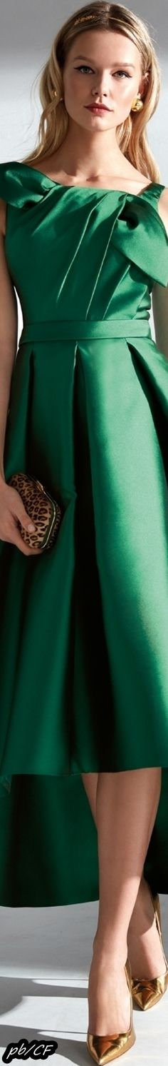 Green Fashion, Colorful Fashion, Forever Green, Green Palette, Green Silk, Beautiful Gowns, Shades Of Green, Playing Dress Up, Couture Fashion