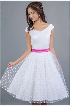 a936e94906e2 MILLA svatební retro šaty bílé s puntíky - MiaBella