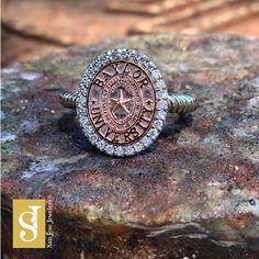 WOW. Gorgeous custom #Baylor ring!