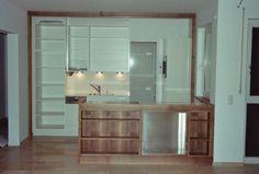 Einbauküche mit Schiebewand - Stauraum und mehr