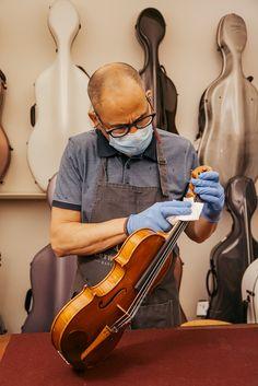 La Covid-19 también ha afectado al mundo de la luhería y de la música. En este post os damos algunos consejos sobre qué hacer para desinfectar el violín. Music Instruments, World, Tips, Musical Instruments