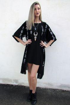 914c35c3a7b1f Kimono com vestido e maxi colar  kimono  black  maxicolar  coturno  dark