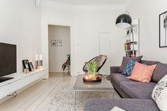 skandiamaklarna, http://trendesso.blogspot.sk/2015/03/lovely-white-swedish-apartment.html