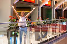 f19163081f8 Η Τζένη Μελιτά στο The Mall Athens υποδέχεται το Πάσχα και καλωσορίζει την  Άνοιξη με χαρούμενη