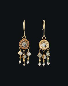 A PAIR OF BYZANTINE GOLD, GLASS AND PEARL EARRINGS - CIRCA LATE 6TH-7TH CENTURY A.D.