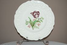 Pretty Vintage Johnson Brothers Tulip Plate