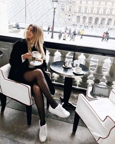 Lovely long legged ladies wearing sexy and fashionable pantyhose. How To Wear Stockings, Stockings Outfit, Pantyhose Outfits, Pantyhose Legs, Nylons, Colored Tights Outfit, Black Tights, Fashion Tights, Women's Fashion