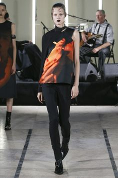 Yang Li Spring 2018 Ready-to-Wear Collection Photos - Vogue