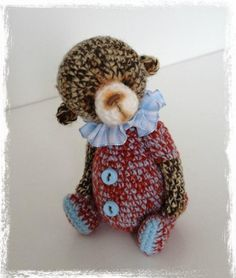 Mini Thread Crochet Bear Fudge.....how cute is this little guy.  Pattern for sale at Craftsy.com.