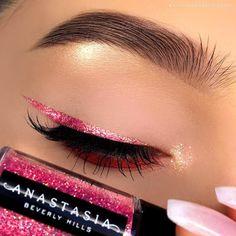 16 - Eye Shadow Types, 16 - Eye Shadow Types - 1 You will see the beauty of your eyes with your eye shadow make-up. We offer you eye shadow models prepared for you in . Glam Makeup, Makeup Inspo, Makeup Art, Makeup Inspiration, Makeup Tips, Beauty Makeup, Eyebrow Makeup, Glitter Eyeliner, Festival Face