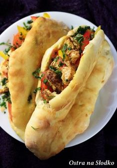 Garlic Naan, Tortellini, Hot Dog Buns, Street Food, Italian Recipes, Chicken Recipes, Food And Drink, Cooking Recipes, Tasty
