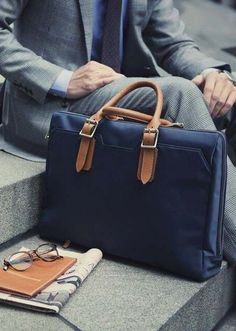 give some life to your style with a tote bag // urban men // mens fashion…
