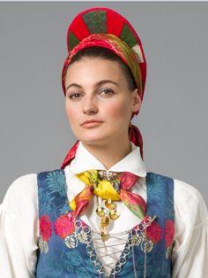 Vest til rekonstruert Vest Agder drakt fra 1810 Bridal Crown, Different Patterns, Wedding Jewelry, Vest, Costumes, Embroidery, Traditional, Fashion, Moda
