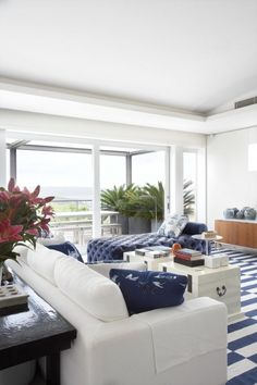 1000 images about nautical beach home interiors on for Hamptons beach house interior design