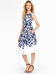 Dear Stitchfix stylist, this is an example of an item I would wear on weekends and holidays. I am considering the dress for summer weddings and graduations. Simple Summer Outfits, Summer Dresses, Prom Dresses, Rose Dress, Dress Up, Flare Dress, Modest Outfits, Stylish Outfits, Rajputi Dress