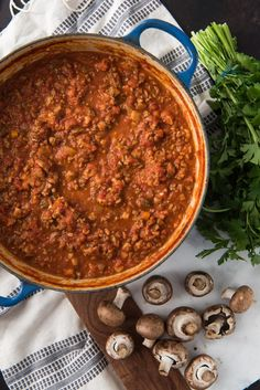 An image of a large blue dutch oven filled with meaty bologonese sauce. Best Bolognese Sauce, Dutch Oven Recipes, Cast Iron Recipes, Mushroom Pasta, Home Recipes, Sauce Recipes, Stuffed Mushrooms