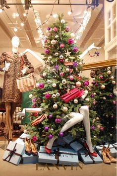 7 Retail Visual Merchandising Tips for Xmas | The Mannequin Madness Blog