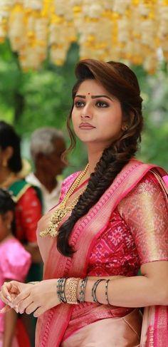 Beautiful Girl Photo, Beautiful Girl Indian, Most Beautiful Indian Actress, Gorgeous Women, Beauty Full Girl, Beauty Women, Hot Images Of Actress, Saree Models, Indian Beauty Saree