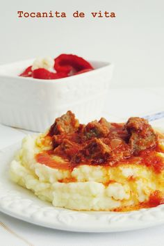 Carne, Mashed Potatoes, Beef, Ethnic Recipes, Food, Whipped Potatoes, Meat, Smash Potatoes, Essen