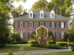 Browse pictures of homes that have incorporated the classic look of brick into their exterior design. Exterior Siding Options, Exterior Trim, Exterior Design, Porches, Painted Brick Exteriors, Colonial Style Homes, Craftsman Exterior, Georgian Homes, Exterior Paint Colors