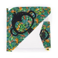 Hooded towel for baby, with its matching glove, illustrated with a cute monkey on a green jungle fabric, for baby as a birth gift, cm