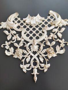 Ceiling Art, Ceiling Design, Gypsum Decoration, Ornament Drawing, Moroccan Home Decor, Window Grill Design, Decorative Plaster, Carving Designs, Pop Design