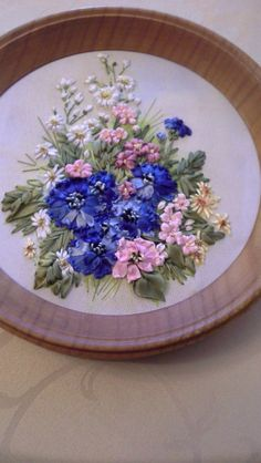 Flower Embroidery Designs, Silk Ribbon Embroidery, Embroidery Stitches, Ribbon Art, Decorative Plates, Interior, Food, Ribbons, Embroidered Towels