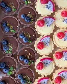 2,832 個讚好,14 則回應 - Instagram 上的 Továreň na šťastie(@tovarennastastie):「 Tartaletky✌🏻 #tartaletky #tovarennastastie #tartlets #tartlette #baker #bakingtime #bakinglove… 」 Tart, Food And Drink, Pudding, Sweets, Baking, Desserts, Instagram, Sweet Pastries, Tailgate Desserts