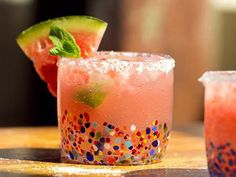 Festive Polka-Dot Margarita Glasses [SOURCE]